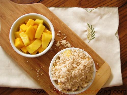 Mango & Pineapple Tropical Fruit Crisp