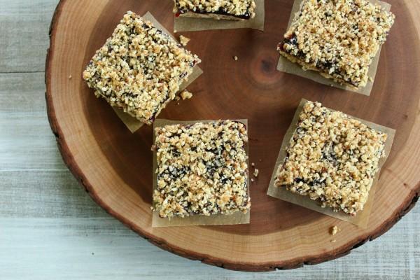 No-Bake Blueberry Almond Oat Bars