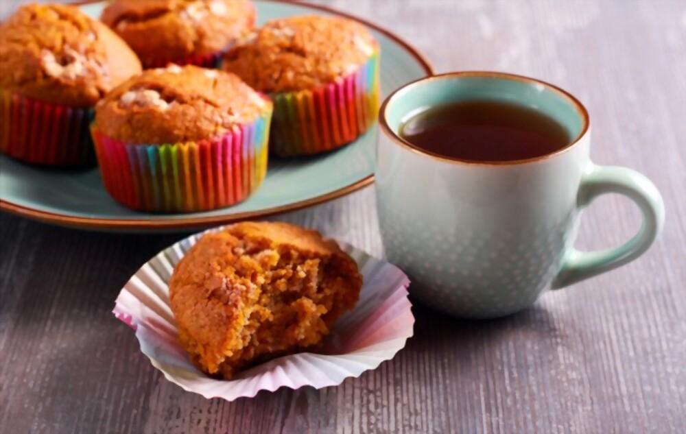 Mini Pumpkin Applesauce Muffins