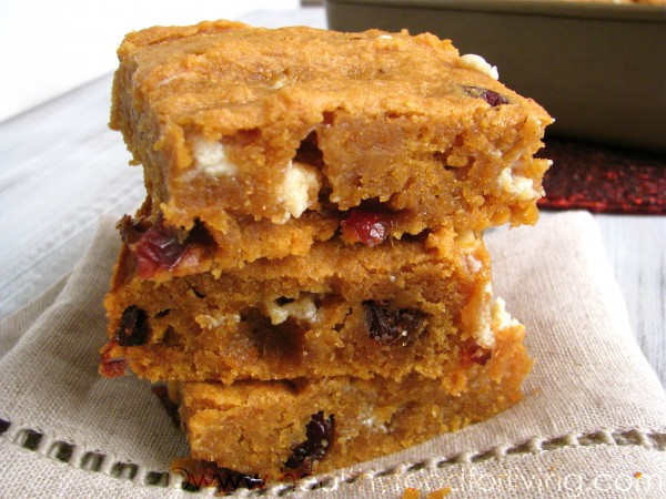 https://www.healthyfoodforliving.com/recipes/dessert/spiced-sweet-potato-blondies-with-cranberries-and-white-chocolate/